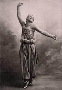 Nijinsky in Bakst-Kostüm
